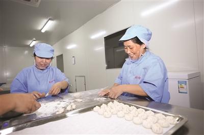 """首月卖出30万个千岛湖鱼肉小笼包市场""""热卖"""""""