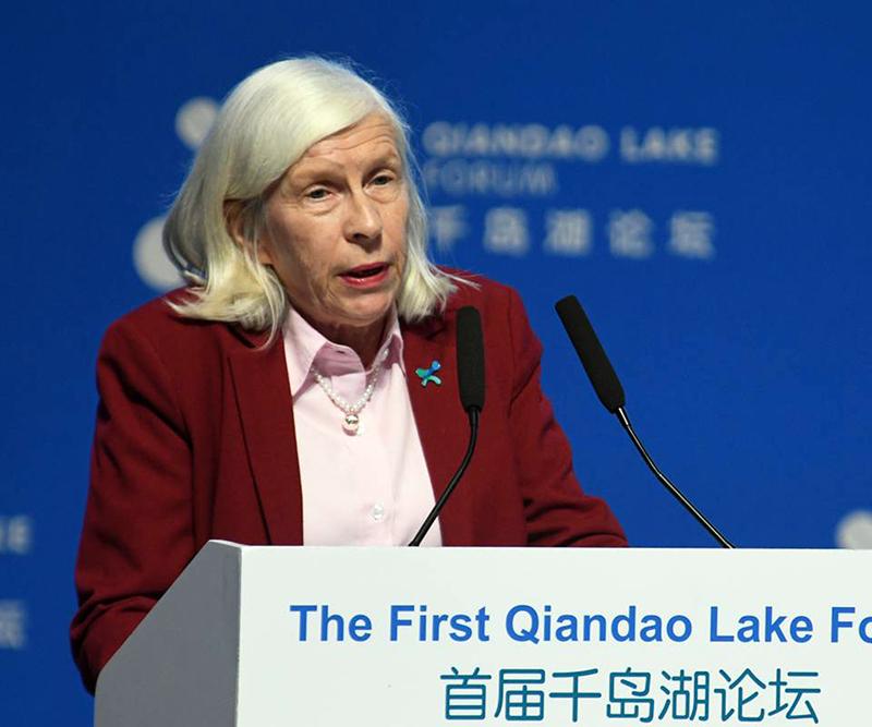 Heidelore Fiedler:水中的PFAS:风险管理的研究和政策影响
